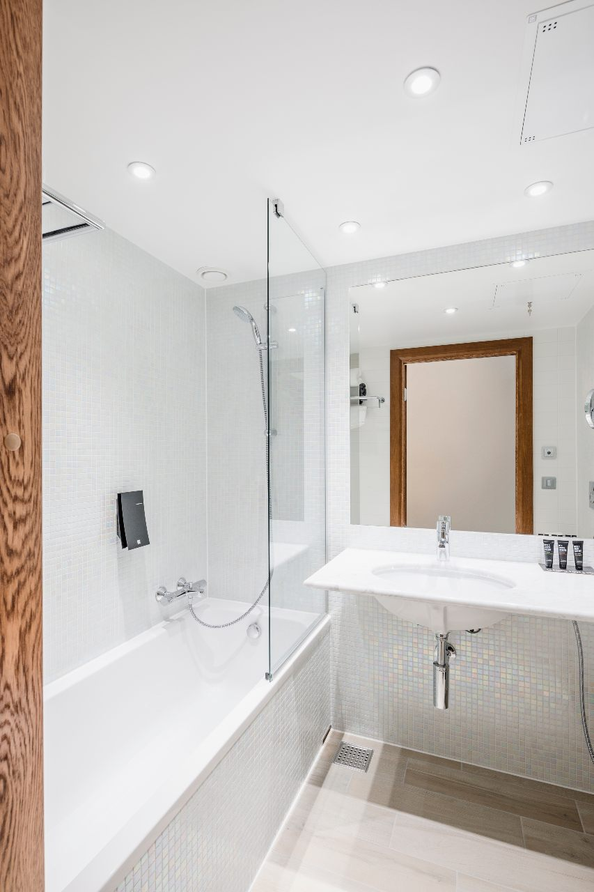 modular-bathrooms-clarion-hotel-helsinki