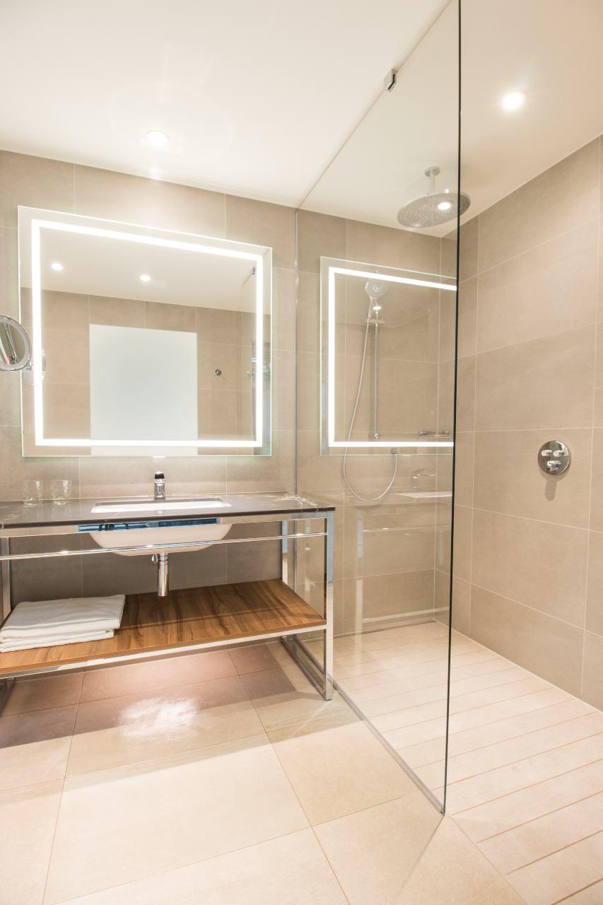designer-bathrooms-for-hotel-marriott-geneva