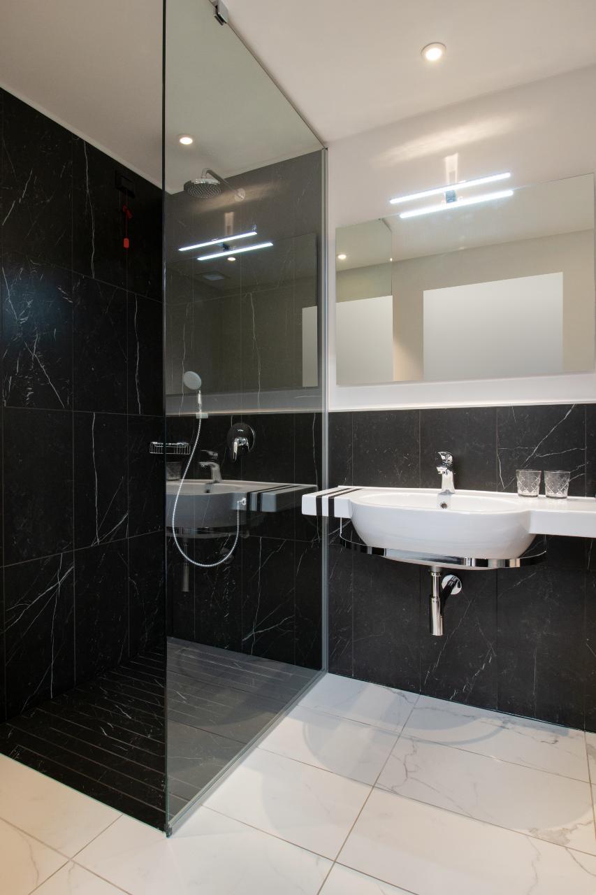 Modular-bathrooms-and-j-hotel-design