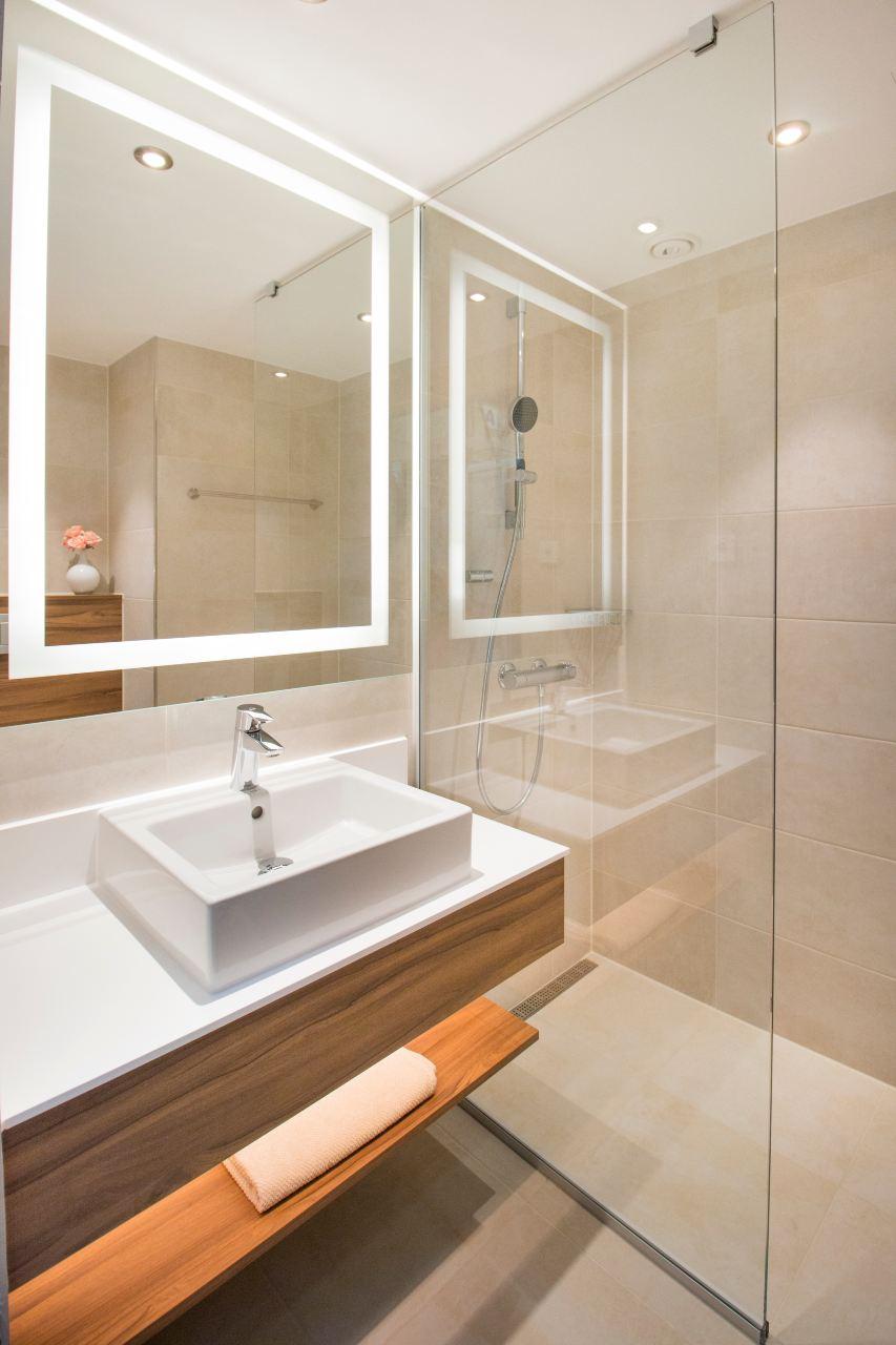 modular-bathrooms-for-the-courtyard