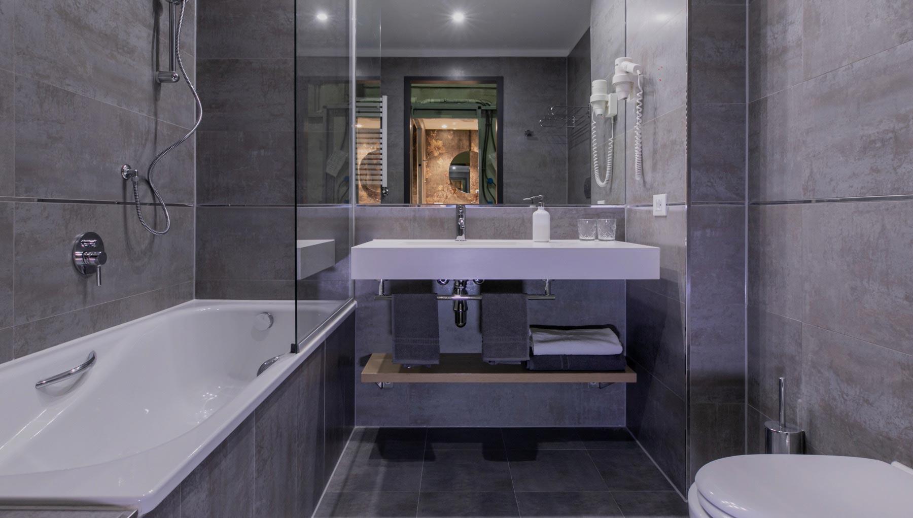 Modular bathroom design